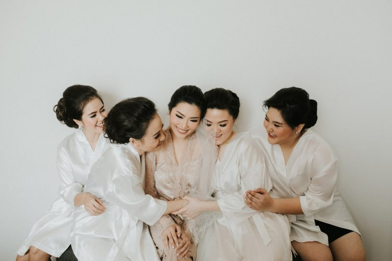 vioan ivan grand hyatt jakarta wedding ceremony iluminen photography bridesmaid