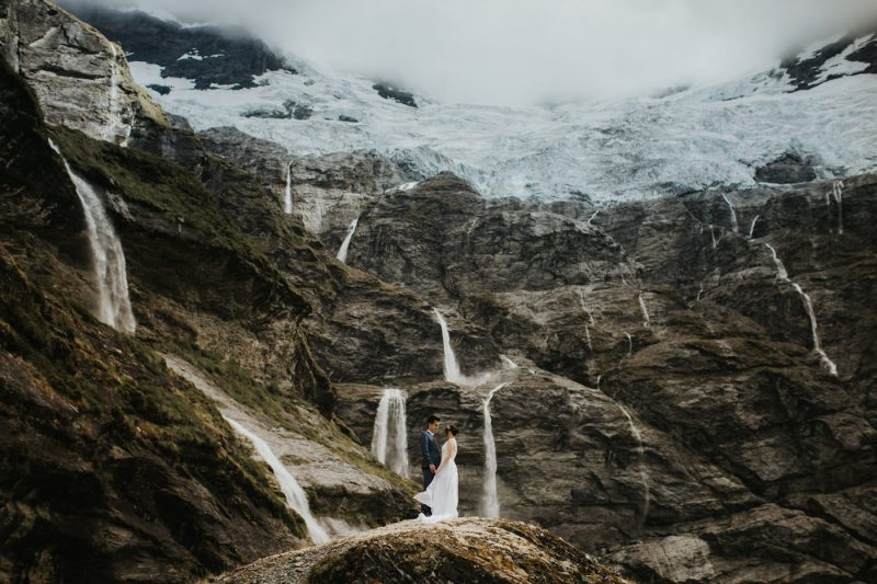 earnslaw burn prewedding iluminen bali wedding photographer new zealand connection session destination madelaine hendra queenstown lake tekapo milford sound south island roys peak mount nicholas