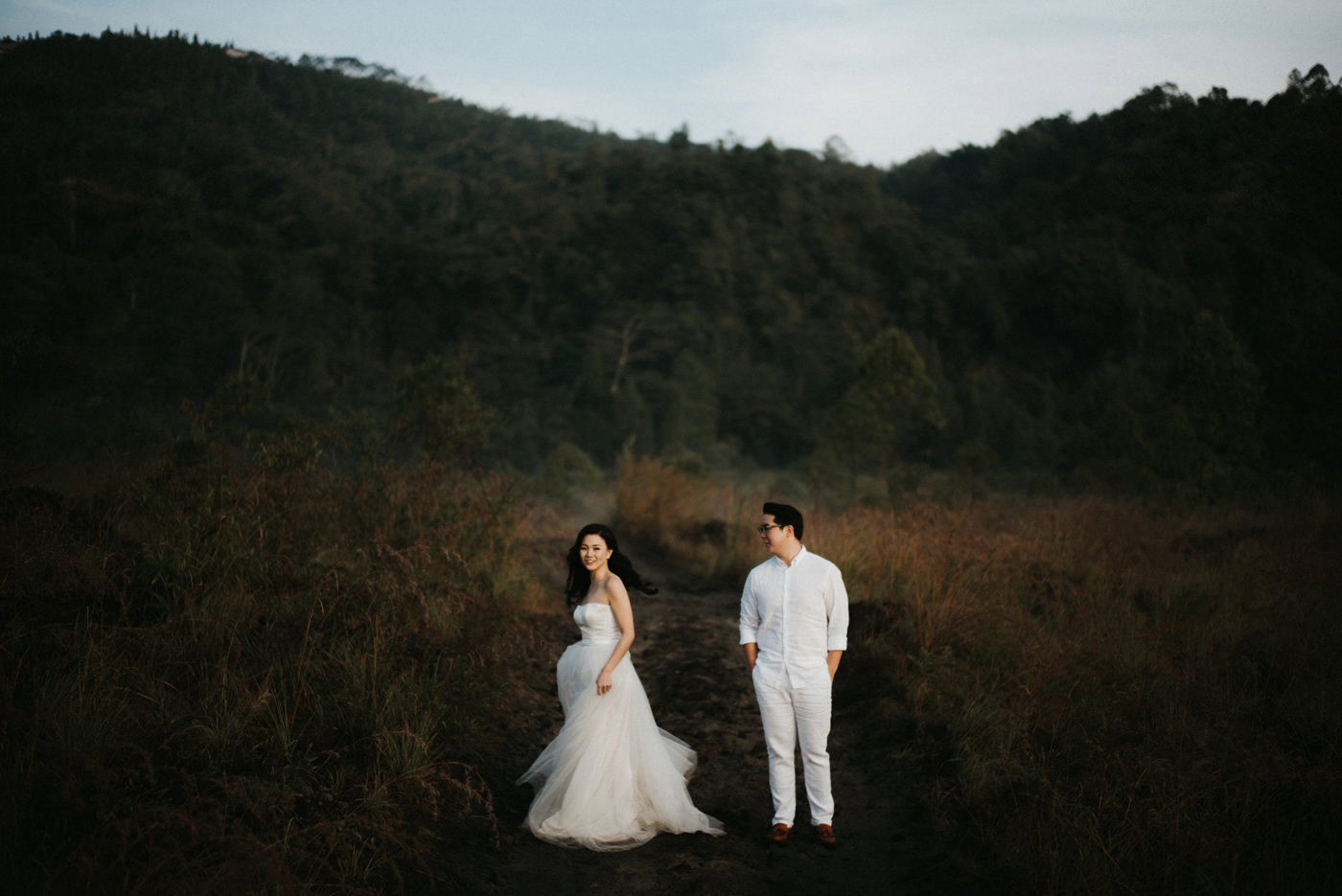 kintamani prewedding caroline ryan connection session iluminen bali wedding photographer destination photography mount batur