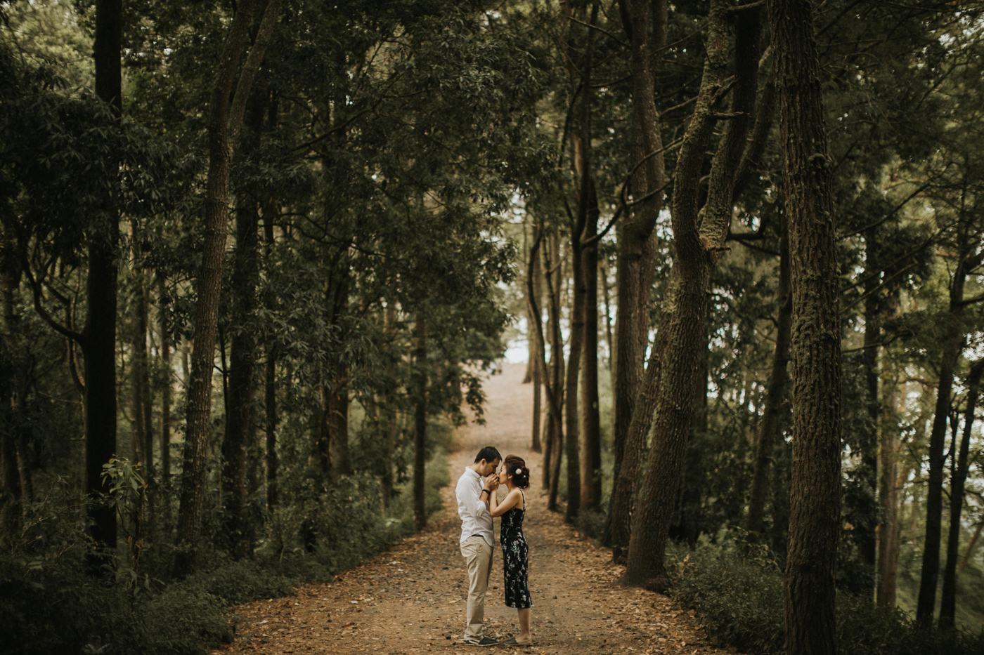 kintamani prewedding Karen Lawrence connection session iluminen bali wedding photographer destination photography mountain batur tibumana waterfall