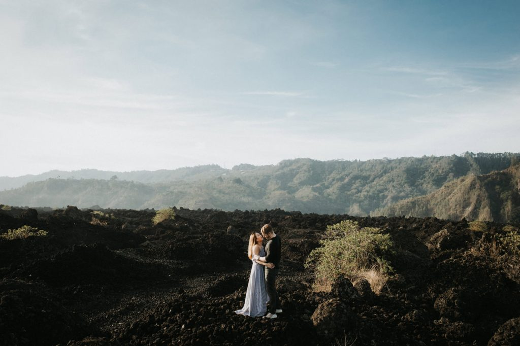 kintamani prewedding elza david intimate mountain beach