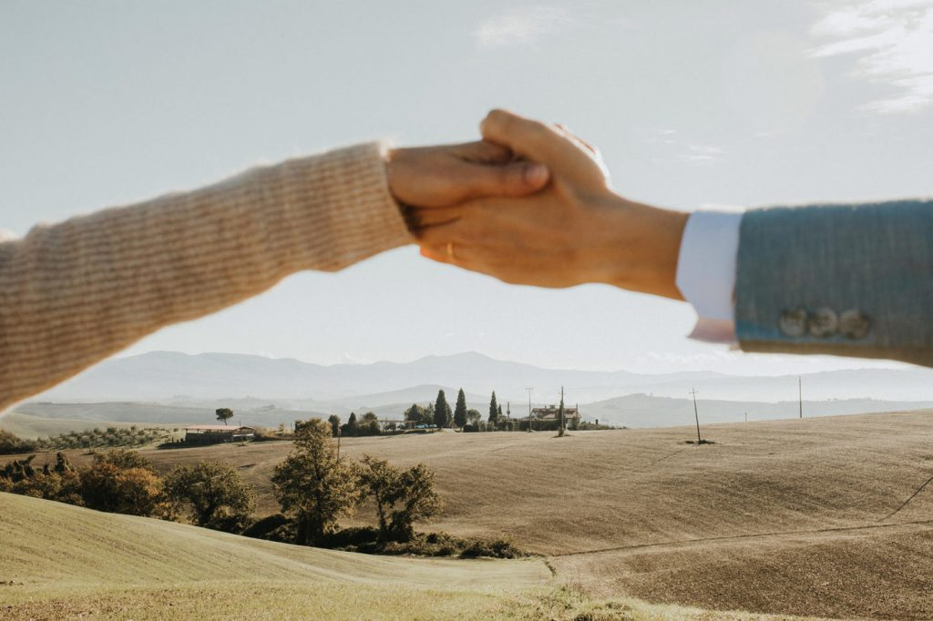italy-prewedding-intimate-outdoor-session-wedding-photographer-beautiful-artistic-terri-travins