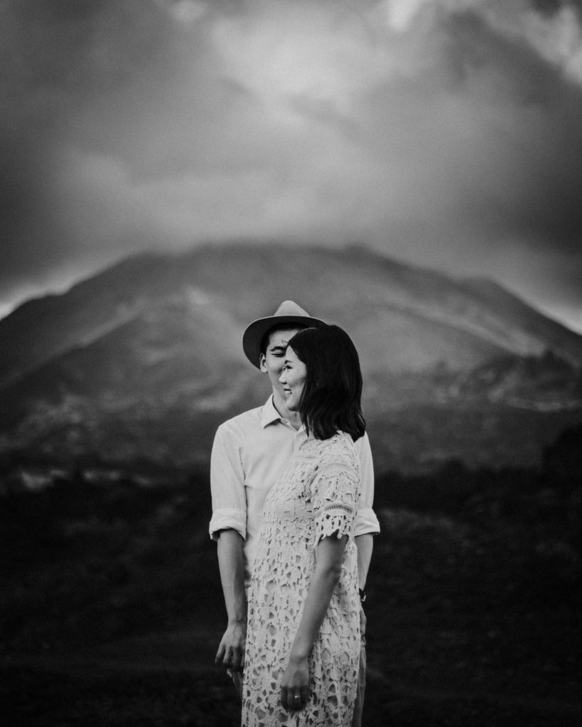 bali-prewedding-kintamani-mount-batur-intimate-outdoor-beautiful-picturesque-wonderful
