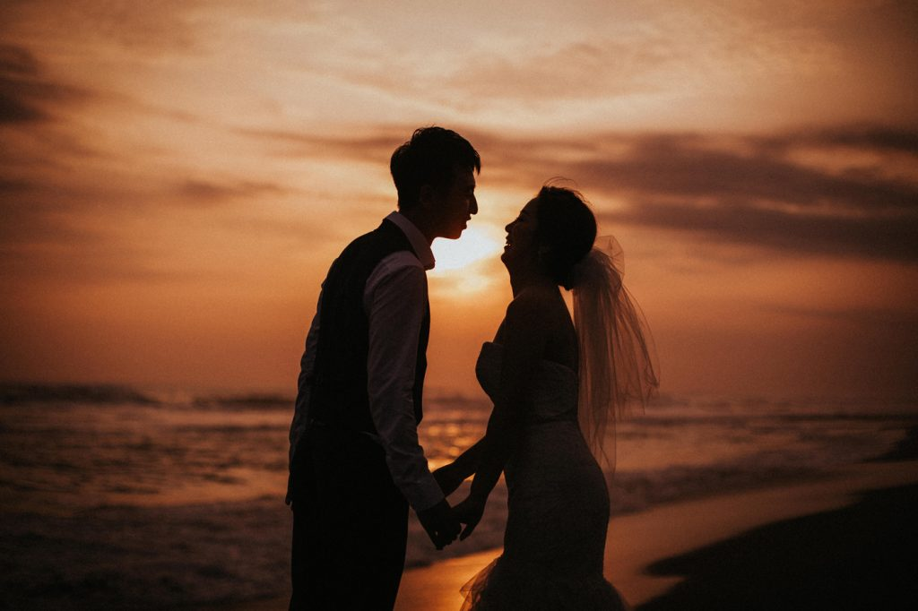 intimate-wedding-in-bali-beautiful-effortless-wonderful-view-island-of-gods-sunset-gorgeous