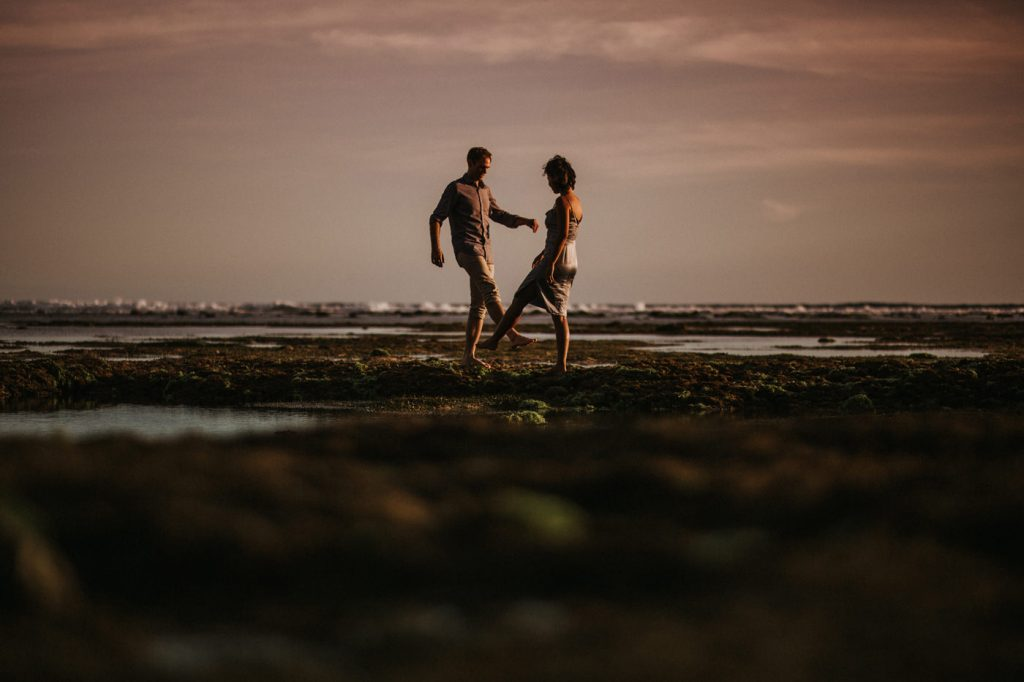 beautiful-nature-beachside-intimate-bali-prewedding-best-photographer-magnificent-view